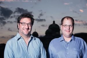 Jorgo Ananiadis (l.) und Denis Simonet kandidieren für den National- und Ständerat.